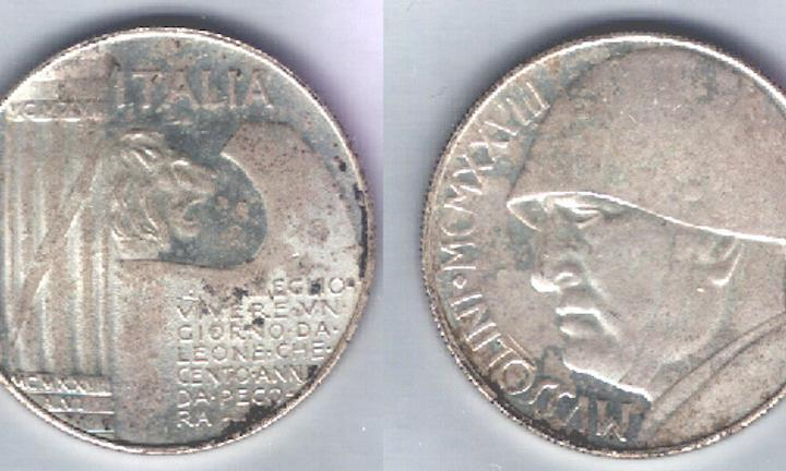 Fake Mussolini coins produced by nostalgic neo-fascists after the war